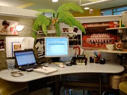 Simple Cubicle Christmas Decorating Ideas by Desk Decor At Work Photos Yvotube Com