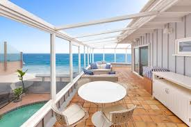 100 House For Sale In Malibu Beach CLASSIC MID CENTURY BEACH HOUSE California Luxury Homes Mansions