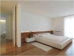parquet chambre revetement sol chambre adulte 4 photo blanche table chevet eclairage