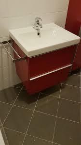 ikea godmorgon badezimmermöbel hochglanz rot in 1120 wien