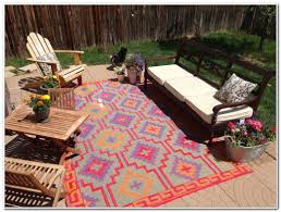 Best Outdoor Carpeting For Decks by Plastic Outdoor Rugs For Decks Decks Home Decorating Ideas