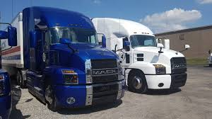 Pushing 10: Mack Test Drive Shows Role Of Tech In Fuel Economy ...