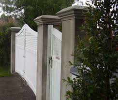 Decorative Garden Fence Posts by How To Build Wooden Driveway Gates And Make Concrete Gate Posts