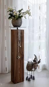 nussbaum stele dekosäule holz deko holz holz balken deko