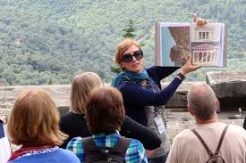 Job Prospects And Career Option In Tour Guide Travel