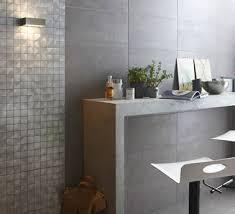 cuisine mosaique carrelage cuisine gris mosaïque effet métal leroy merlin