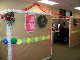 Cubicle Decoration Themes In Office For Christmas by Top Office Christmas Decorating Ideas U2013 Christmas Celebrations