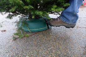 Sugar Or Aspirin For Christmas Tree by The Best Christmas Tree Stand Wirecutter Reviews A New York