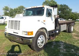 1999 International 4700 Flatbed Truck | Item DB1396 | SOLD! ... 1999 Intertional 9400 Tpi 4700 Bucket Truck For Sale Sealcoat Truck Intertional Fsbo Classifieds Rollback Tow For Sale 583361 File1999 9300 Eagle Semi Trailer Free Image Paystar 5000 Concrete Mixer Pump For Sale Sign Crane City Tx North Texas Equipment 58499 Lot Ta Dump Kybato Quick With Jerrdan 12ton Wrecker Eastern