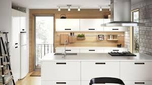 cuisines blanches et bois cuisine ikea blanche bois cuisine en image