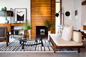 schwarz weißes wohnzimmer im retrostil bild kaufen