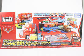 100 Cars Mack Truck Playset Disney Takara Tomy Tomica CARS Contain Transforming Trailer