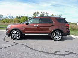 Ford Explorer Captains Chairs Second Row by 2016 Ford Explorer Vs 2016 Honda Pilot Autoguide Com News