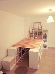 ein hochbett aus ikea kallax regalen schlafzimmer diy