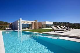 4 luxurious beach villas to spend the summer Luxurylaunches