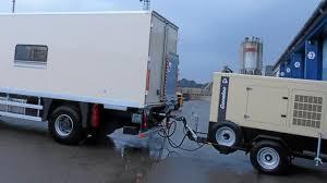 camion équipé cuisine insolite l entreprise le rouic livre un camion cuisine au roi du