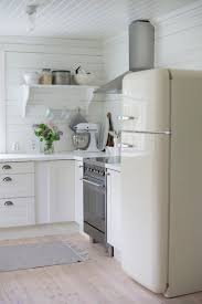 White Kitchen Ideas Pinterest by Best 25 Smeg Fridge Ideas On Pinterest Black Ovens Retro