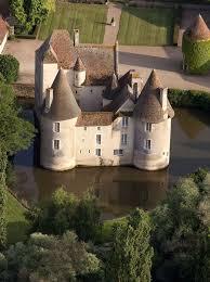 chambre d hôtes château du marais à gimouille nièvre chambre d