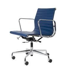 fauteuil de bureau charles eames charles eames chaise de bureau ea117 design chaise de bureau