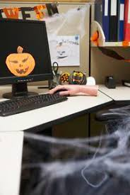 halloween cubicle decorating ideas ehow