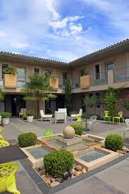 a seminar room equipped hôtel le patio de violette