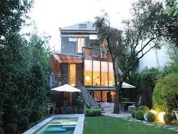 maison de ville avec verrière sur jardin et piscine