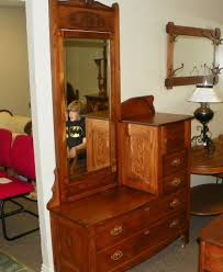quartersawn oak gentleman s chest dresser with mirror dr60