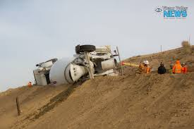 Concrete Mixer Truck Tips Over Near D Street - Victor Valley News ... Pierce Enforcer 107 Ascendant Puc Aerial To Cahaba Valley Fire Box Truck Equipment Inlad Van Company Beds River Home Tractor And Rentals East Wenatchee Wa 800 4615539 Ltd Truckbedscom 2014 Kenworth T680 Tpi Recovery Location Chico Yuba City California Valleytruckcenterscom Big John 90 Tree Spade Sun Pecan Rea Protection District