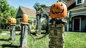 Halloween Graveyard Fence paige hemmis u0027 diy pumpkin fence pillars youtube