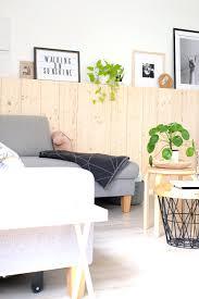 diy holzwand skandinavisch wohnen mit fichtenholz