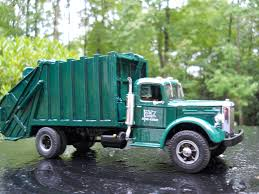 Autocar Leach | Refuse Hall Of Fame | Garbage Trucks | Pinterest ...