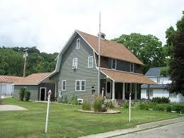 100 Dutch Colonial Remodel 326 N 2nd Street Guttenberg IA Barbara Massman Realtors