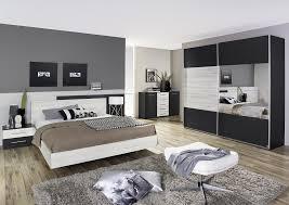 style de chambre adulte chambre adulte contemporaine chêne clair gris métallique bagossa