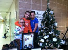 Mona Shores Singing Christmas Tree 2013 by Category Collaboration