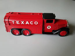 Andy's Toybox Store -273350286110 - Ertl 1990 Edition #7 Diamond ... Amazoncom Ertl 9385 1925 Kenworth Stake Truck Toys Games Texaco Cast Metal Red Tanker Truck By Ertl For Sale Antiquescom Vintage Toy Fuel Tractor Trailer 1854430236 Beyond The Infinity 1940 Ford Pickup With Lot Detail Two 2 Trucks Colctible Set Schrader Oil Vintage Buddy L Gas Pressed Steel Antique Tootsietoy 1915440621 Sold Diamond T 522 Livery Rhd Auctions 26 Andys Toybox Store 273350286110 1990 Edition 7 Stake Coin Bank Collectors Series 9 1961 Buddy