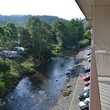 Christmas Tree Inn Pigeon Forge Tn by Creekstone Inn 41 Photos U0026 18 Reviews Hotels 4034 S River Rd