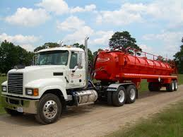 Fluid Hauling & Storage - Pinnergy | Success Through Service Home Hydroexcavation Hydrovac Transwest Rentals Owen Equipment Custom Built Vacuum Trucks Supsucker High Dump Truck Super Products Reliable Oil Field Brazeau County Ab Flowmark Pump Portable Restroom Provac Rental Legacy Industrial Environmental Services Tomlinson Group Main Line Pipe Cleaning Applications