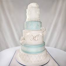 Traditional And Elegant Wedding Cakes