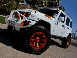 2017 New Jeep Wrangler Unlimited 4 DOOR CUSTOM LIFTED 4X4 SELLING