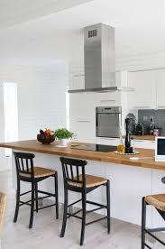 cuisines blanches et bois cuisine blanche plan de travail bois idées de conception de