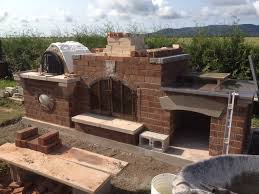 four a pizza exterieur construction of a pizza oven bread oven place