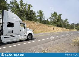 100 Aerodynamic Semi Truck White Big Rig With Break The Air