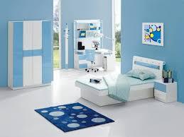 chambre bleu turquoise tapis persan pour idée déco salon mur blanc beau chambre bleu