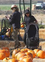 Pumpkin Patch Collins Ms by Naya Rivera Visits Pumpkin Patch In La With Her Family Daily