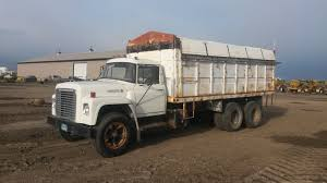 100 International Semi Truck 1975 1600 Buffalo North Dakota
