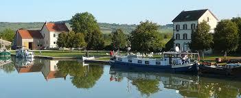 hébergement touristique sur le canal de bourgogne à clamerey