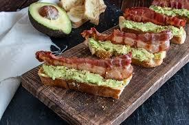 avocado bacon teilchen koro