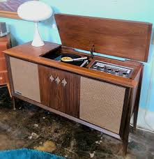 1960 s Sylvania Walnut AM FM Stereo Record Player Cabinet