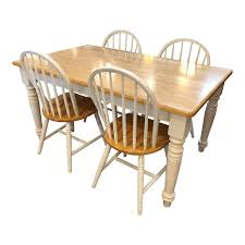 Cottage Style Dining Table & Four Windsor Style Chairs ...