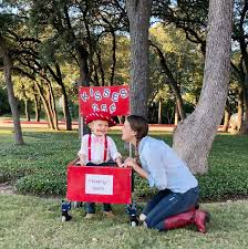 Halloween Costume Turns Boy's Walker Into Kissing Booth [Video]